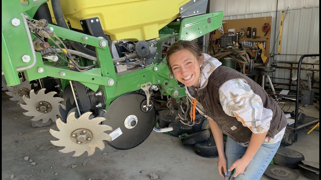 Working on John Deere Equipment | Right to Repair?