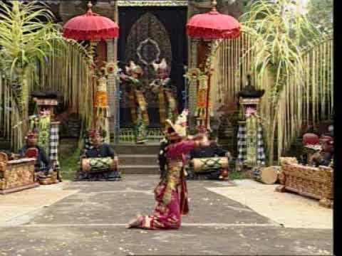 Tari Legong lasem Th 2000 Sekaa Gong Semara Pagulingan TIRTASARI Balerung Stage Peliatan
