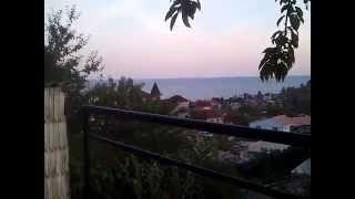 Вид на море Солнечногорское Крым(Вот такой вид открывается с беседки частного пансионата Алима в Солнечногорском (Крым), где мы останавливал..., 2015-06-20T07:43:29.000Z)