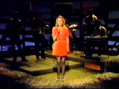 tanya tucker   delta dawn   live on hee haw aged 13 1973