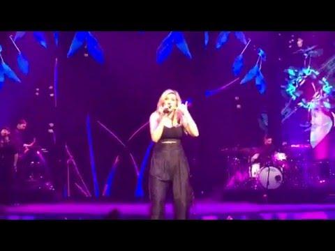 Ellie Goulding - Don't Panic - 2016-05-05 - Saint Paul, Minnesota