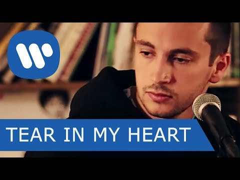 TWENTY ONE PILOTS – TEAR IN MY HEART (Acoustic Version)