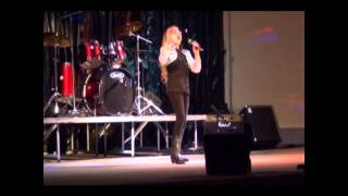 "Donnah Lisa Campbell age 10 sings ""A Broken Wing"""