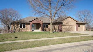 6401 Heatherridge Ave, Sioux Falls, SD Presented by Casey Prostrollo.