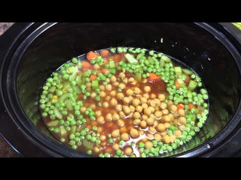 Making Veggie Soup (Slow Cooker)