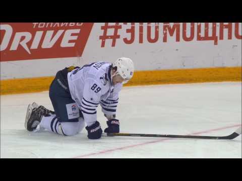 Mikhail Plotnikov gets injured