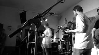 Young Chinese Dogs - You Can't find love in the summertime (D) @ Haldern Popbar