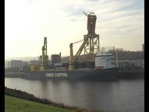 Heavy Lift Ships Jumbo Javelin and Transporter on the River Tyne16th November 2012