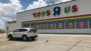Visiting Toys R Us Before They Close Forever. Say Goodbye To Toys R Us