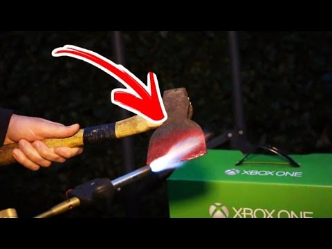 1000 DEGREE *GLOWING* THROWING AXE vs XBOX ONE!!! - Oi it's gunna be LIT!!