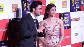 CUTE COUPLE Ranbir Kapoor & GF Alia Bhatt At Zee Cine Awards 2019