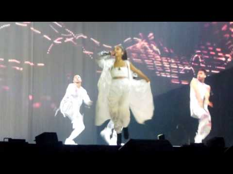 Ariana Grande- Touch It, Mohegan Sun Arena February 17, 2017