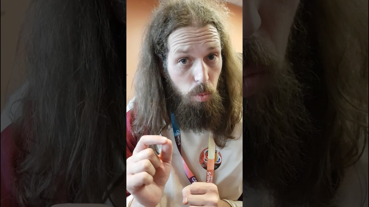Видео в вертикальной растяжке показывает пизду фото 777-626