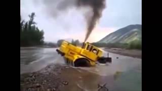 Трактора видео приколы Интересное видео!