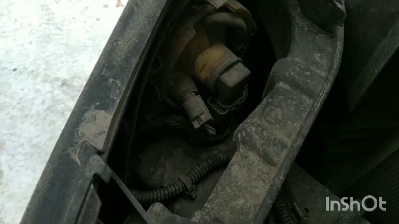 как поменять лампочку габарита на ford s-max