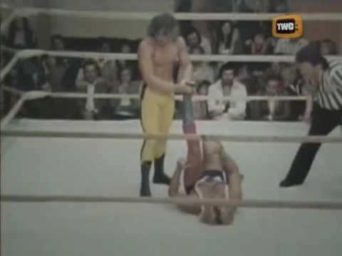 Dynamite Kid vs Bruce Hart Stampede Wrestling
