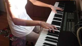 ベッキーさんのデビューシングル「心こめて」でこの新年2010を明け...