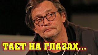 «Щеки скоро провалятся»: Страшно исхудал! Что стало с Александром Домогаровым?