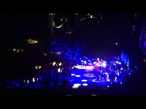 Fleetwood Mac - Gold Dust Woman (Manchester 01/10/13)