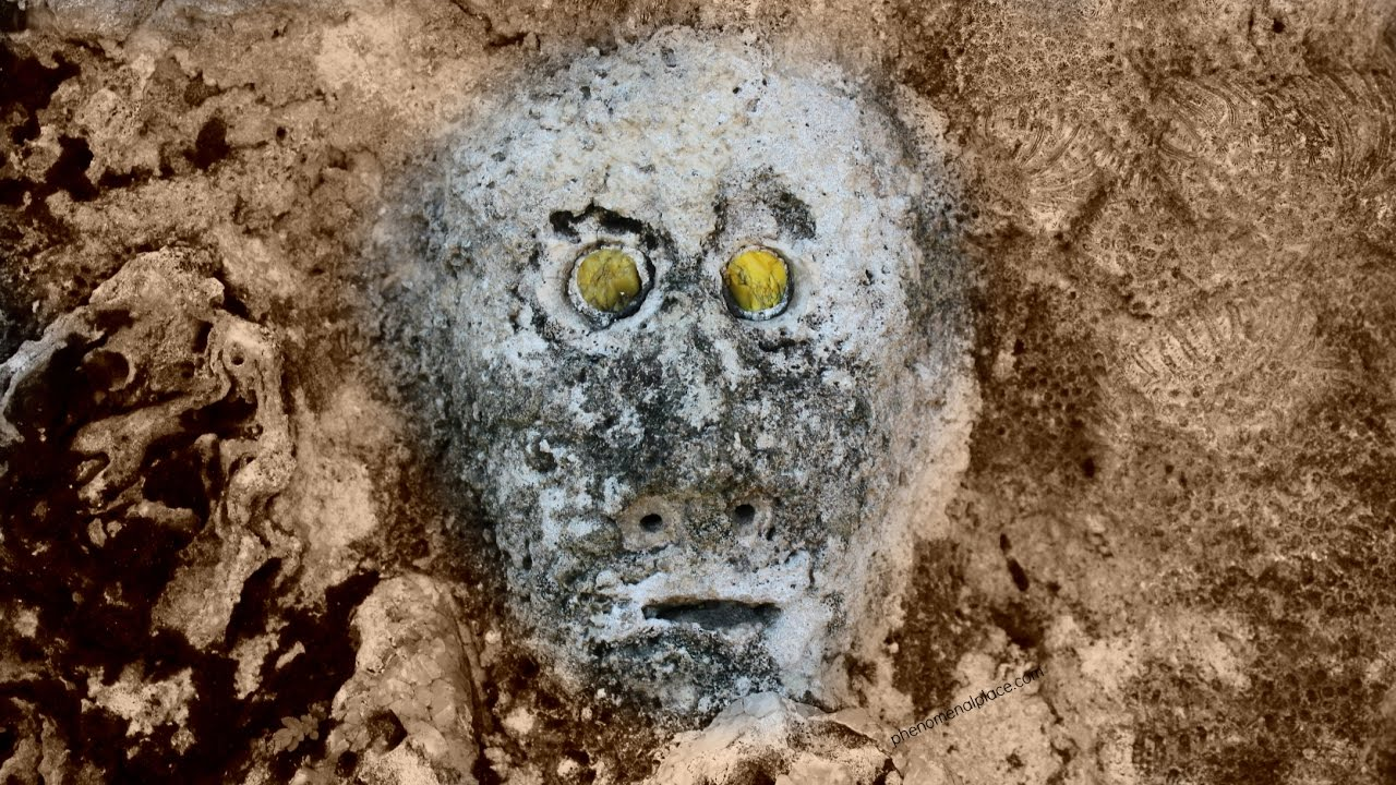 Grey Alien Carving Found At Coral Castle Did Edward