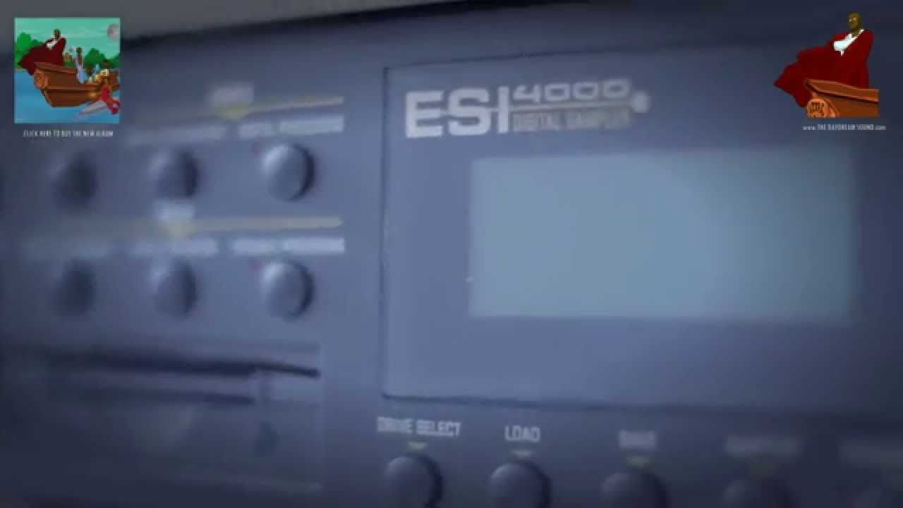 Roland MC-303 Grovebox Memory Battery Replacement - YouTube