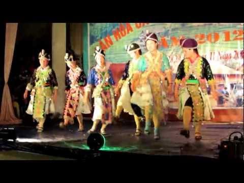 Liên hoan Văn hóa 2012 - Quan Sơn - Thiếu nữ Dân tộc Mông Sơn Thủy