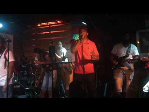 Suttle Thoughts live@ Takoma Station 8-12-16 clip2