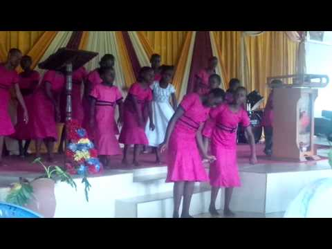 Redeemed Gospel church Kids dancing Ukiwa na Maono