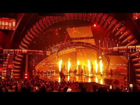 Latin AMAs 2018 - Maluma & Prince Royce El Clavo Remix - Live Performance
