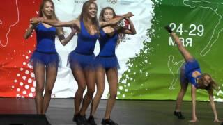 Девушки из группы поддержки. Москва, 2011
