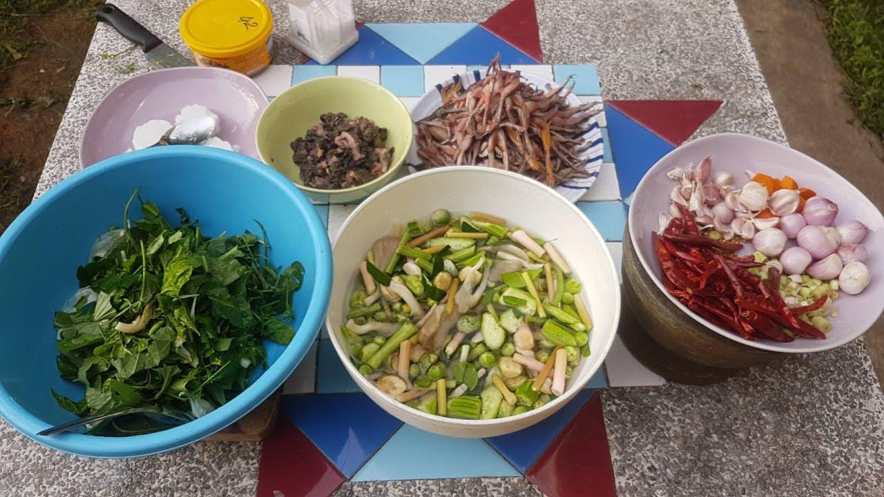 อาหารตามฤดูกาล คั่วแคเขียดฝีมือแม่บ้านห้องแถว(ทั้งทำทั้งถ่ายคลิปเลยครับ)