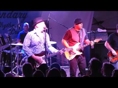 Albert Cummings with Ronnie Baker Brooks - Blues Makes Me Feel So Good