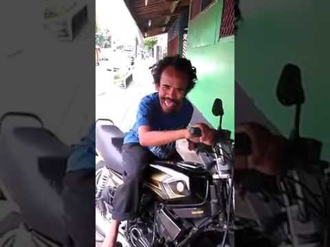 Video lucu orang gila motor
