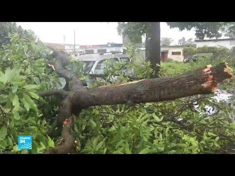 الإعصار كينيث يضرب موزامبيق بعد أن خلف دمارا في جزر القمر  - نشر قبل 1 ساعة