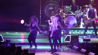 """Shakira """"She wolf"""" Live in Moscow 2011"""