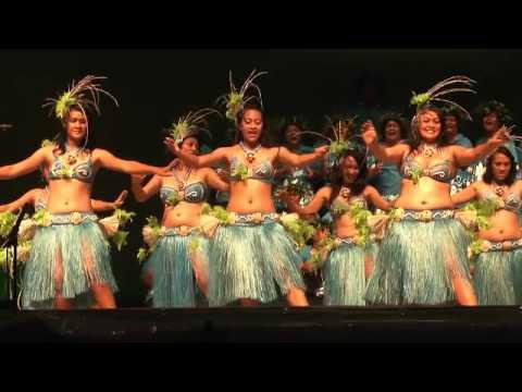 Mangaia Kapa Rima at Te Maeva Nui