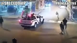 Policias Salvan A Motociclista De Un Asalto