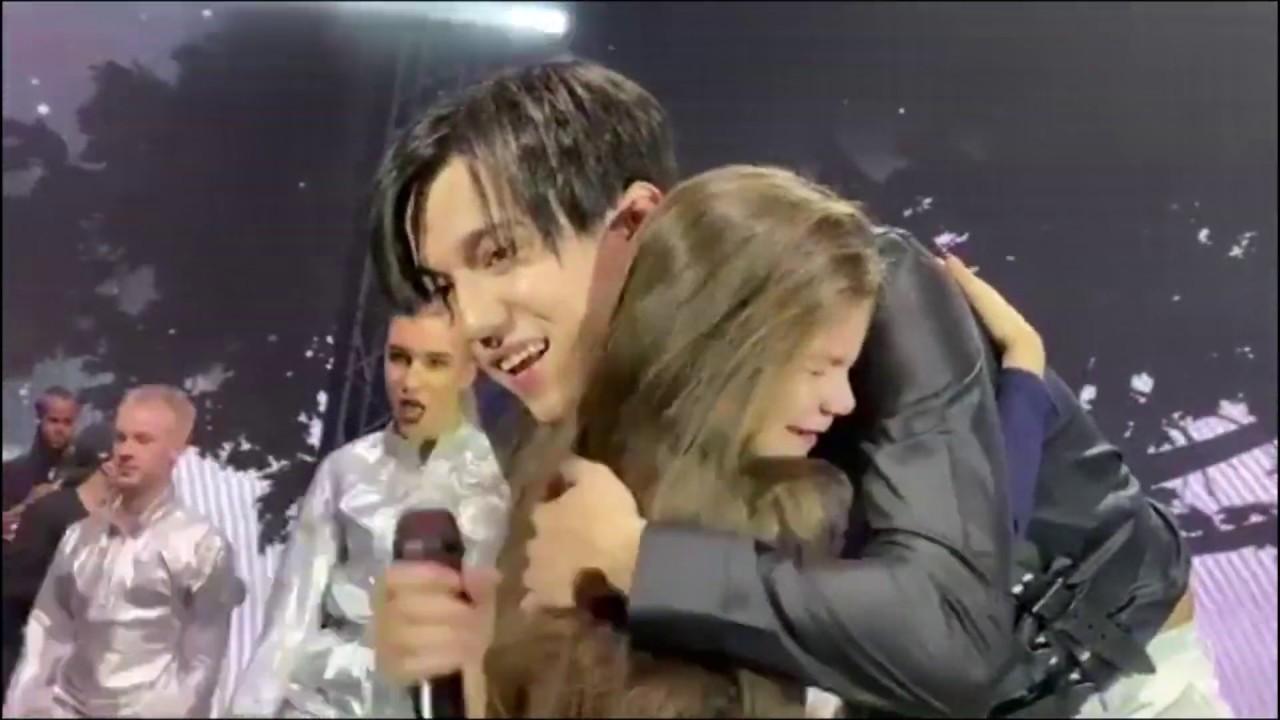 Димаш Кудайберген - Трогательное видео!!! Концерт Казань!