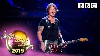 """Keith Urban performs """"Never Comin' Down"""" - Week 4 