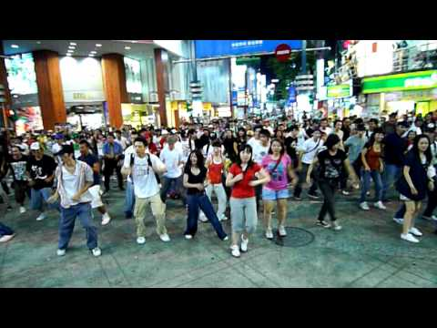 Michael Jackson Tribute - Ximen Movie Street Taipei Taiwan. July 19, 2009