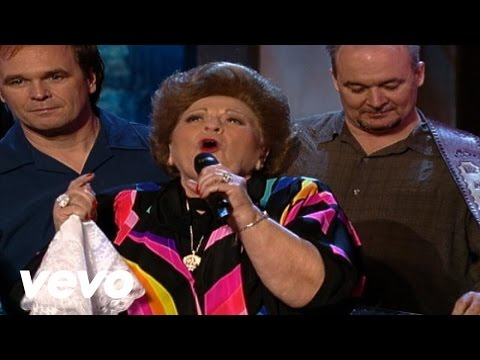 Jeff & Sheri Easter, Vestal Goodman - Jesus, Hold My Hand [Live]