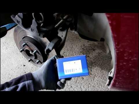 Ford Focus II 1,6 Форд Фокус 2009 года Замена передних тормозных колодок