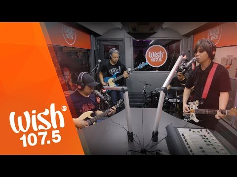 "Rivermaya performs ""8 to 5""  on Wish 1075 Bus"