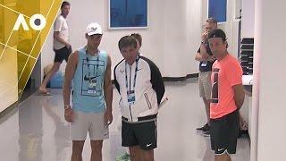 Rafa kills time in the hallway | Australian Open 2017
