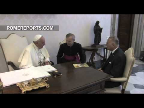 Pope meets with Secretary General for the Organization of Islamic Cooperation