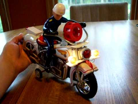 police siren motorcycle by modern toy company youtube. Black Bedroom Furniture Sets. Home Design Ideas