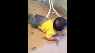 Zombie baby crawl Thumbnail