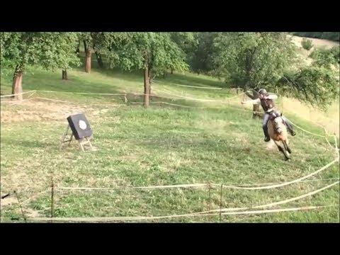 Šavlí a lukem Tureckou technikou z koně i ze země
