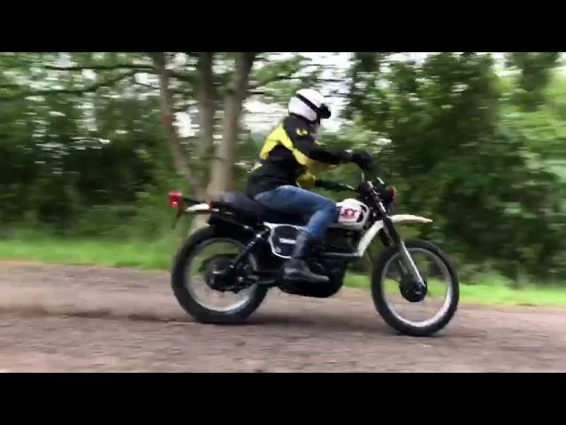 Yamaha XT550 drive by . Firetrapp exhaust