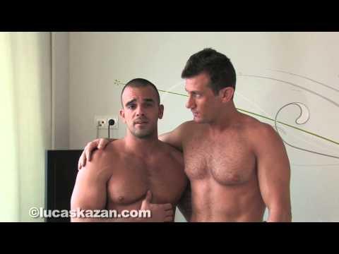 What Friends Do When They're Bored Part 21Kaynak: YouTube · Süre: 1 dakika35 saniye